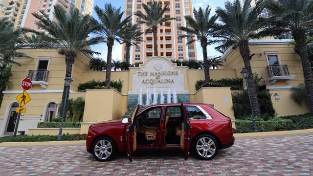 Mua căn hộ, nhận Rolls-Royce Cullinan và Lamborghini Aventador miễn phí - Ảnh 1.
