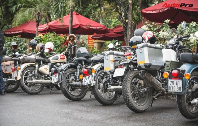 Bất chấp mưa rét, hàng chục biker diễu hành khuấy động Hà Nội dịp cuối tuần - Ảnh 3.