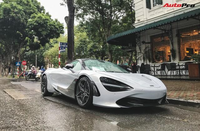 McLaren 720S đầu tiên tại Việt Nam lăn bánh trên đường phố Hà Nội - Ảnh 1.
