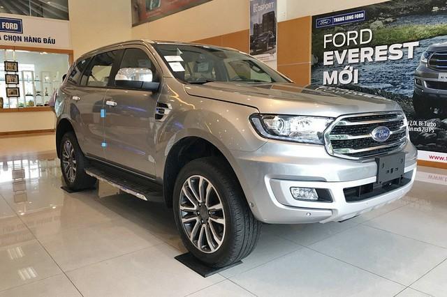 Ford Everest và Hyundai Santa Fe - Hai thế lực mới đe dọa ngôi vua doanh số của Toyota Fortuner tại Việt Nam - Ảnh 1.