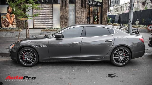 Maserati Quattroporte S Q4 của nhà chồng Tăng Thanh Hà bất ngờ xuất hiện trên phố Sài Gòn - Ảnh 7.