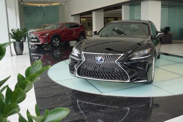 Nhiều dòng xe Lexus rục rịch tăng giá cả trăm triệu, giá LX570 cao nhất 8,18 tỷ đồng tại Việt Nam - Ảnh 2.
