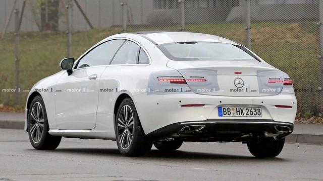 Lộ diện Mercedes-Benz E-Class sedan mới chạy thử trong thời tiết khắc nghiệt - Ảnh 3.