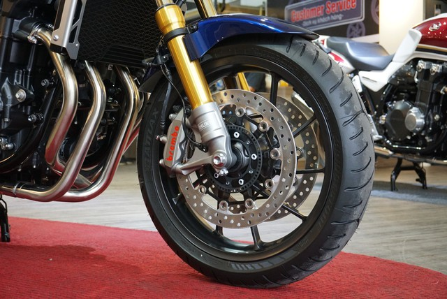 Honda CB1300 SP 2019 đầu tiên về Việt Nam, giá gần 500 triệu đồng - Ảnh 3.