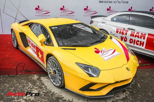 Chủ nhân Lamborghini Aventador S duy nhất Việt Nam khoe dàn xe khủng ngày Việt Nam vô địch AFF Cup - Ảnh 2.