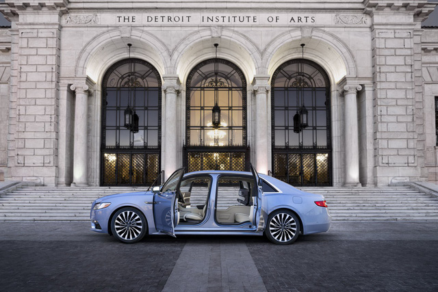 Lincoln Continental bản đặc biệt với cửa như Rolls-Royce - Ảnh 2.