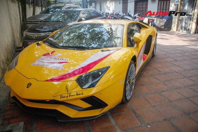 Bộ đôi Lamborghini Aventador S và Bentley Mulsanne EWB chính hãng bất ngờ xuất hiện tại Hà Nội - Ảnh 1.