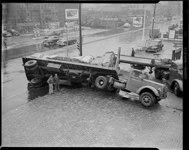 Bộ ảnh hiếm về tai nạn xe hơi ở thế kỷ trước - Ảnh 10.