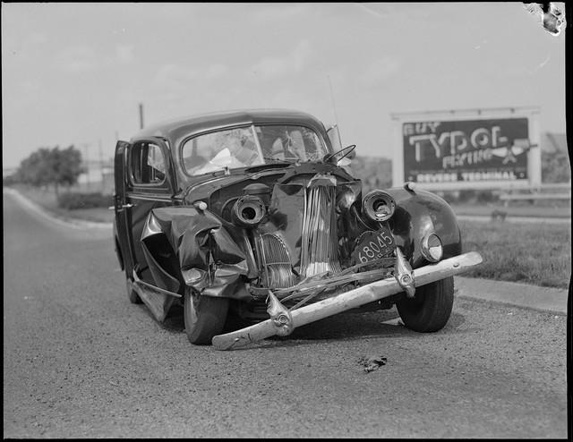 Bộ ảnh hiếm về tai nạn xe hơi ở thế kỷ trước - Ảnh 12.