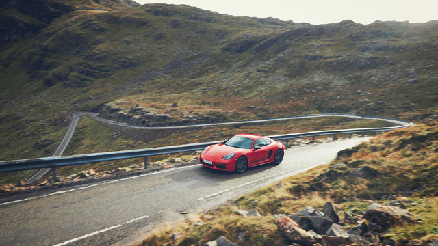 Porsche ra mắt phiên bản tầm trung cho 718 Cayman, Boxster - Ảnh 5.