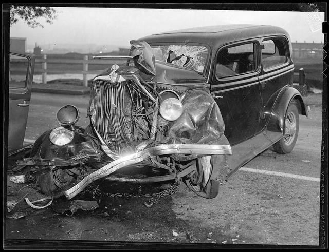 Bộ ảnh hiếm về tai nạn xe hơi ở thế kỷ trước - Ảnh 21.