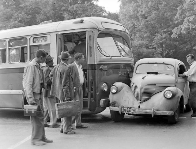 Bộ ảnh hiếm về tai nạn xe hơi ở thế kỷ trước - Ảnh 25.