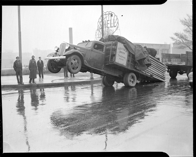 Bộ ảnh hiếm về tai nạn xe hơi ở thế kỷ trước - Ảnh 26.