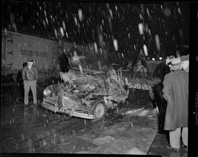 Bộ ảnh hiếm về tai nạn xe hơi ở thế kỷ trước - Ảnh 2.