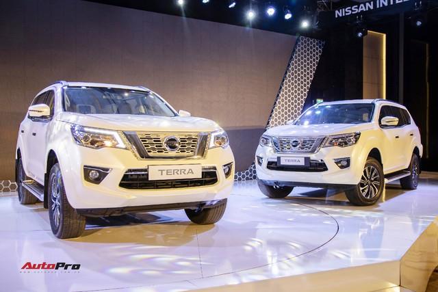 """Chênh gần 240 triệu đồng, Nissan Terra """"full option"""" hơn thua gì so với bản tiêu chuẩn? - Ảnh 6."""