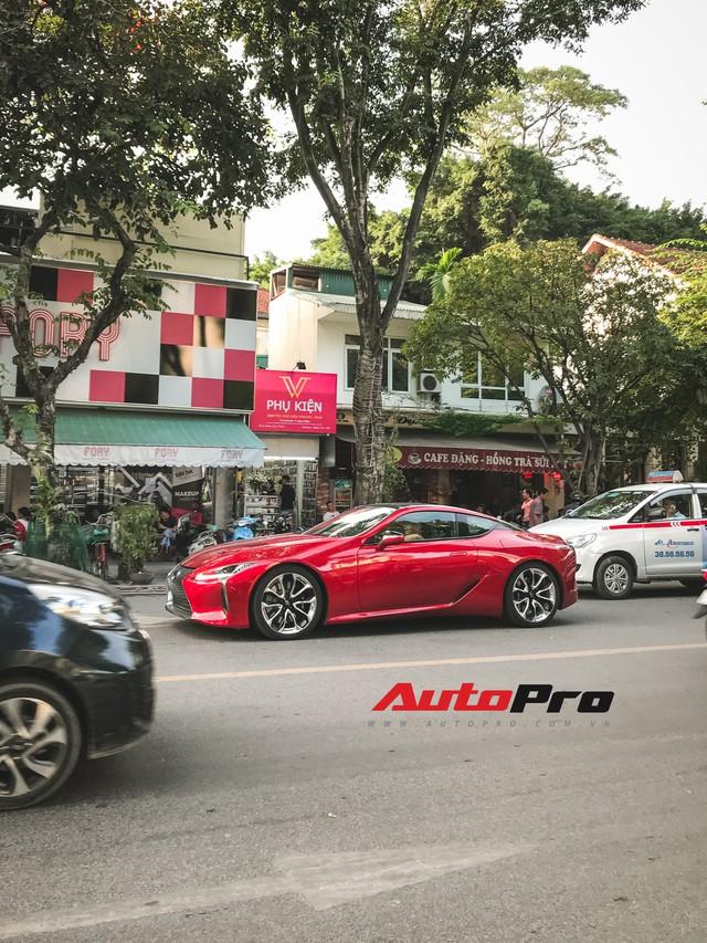 Lexus LC500 màu đỏ độc nhất Việt Nam tái xuất tại Hà Nội - Ảnh 1.