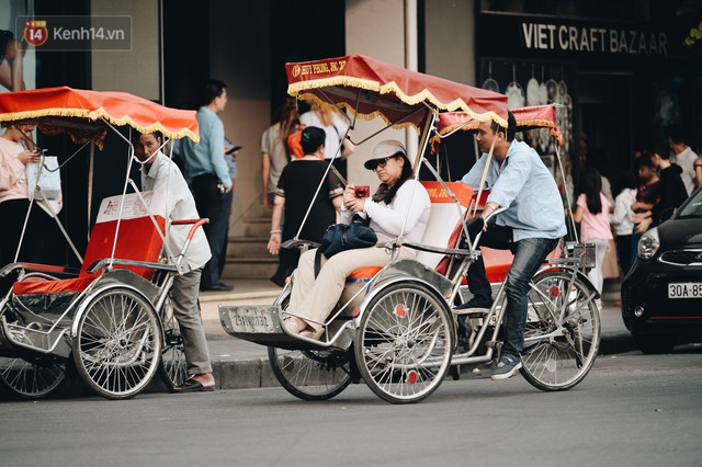 Dành 1 ngày vi vu Hà Nội: Chọn xích lô, ô tô điện hay buýt 2 tầng để tham quan Thủ đô? - Ảnh 3.