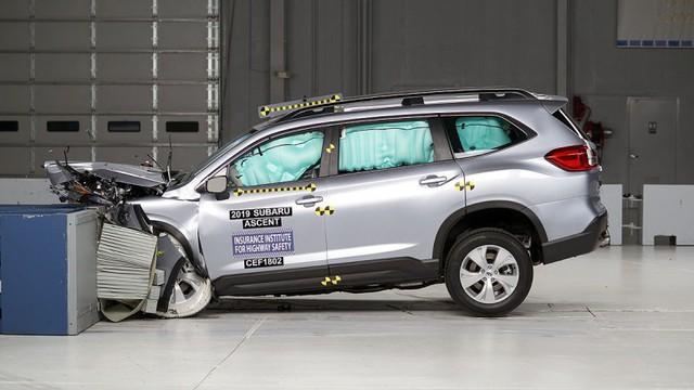 Ô tô ngày càng an toàn hơn dù kiểm tra khắt khe hơn, nhất là xe Nhật, Hàn