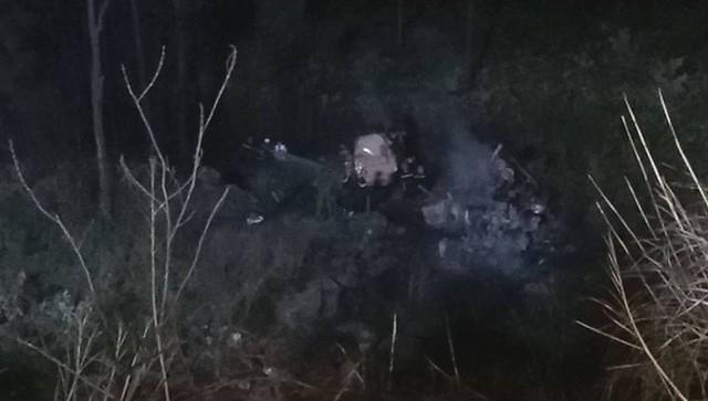 [NÓNG] Va chạm trên đèo Hải Vân, xe bồn lao xuống vực cháy nổ, tài xế tử vong - Ảnh 7.