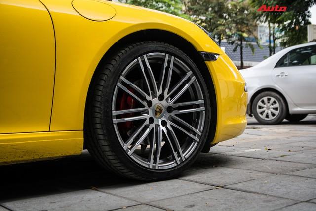 Porsche 911 Carrera sánh đôi đũa lệch với Kia Morning ngũ quý 7 khét tiếng của đại gia Hà Nội - Ảnh 7.
