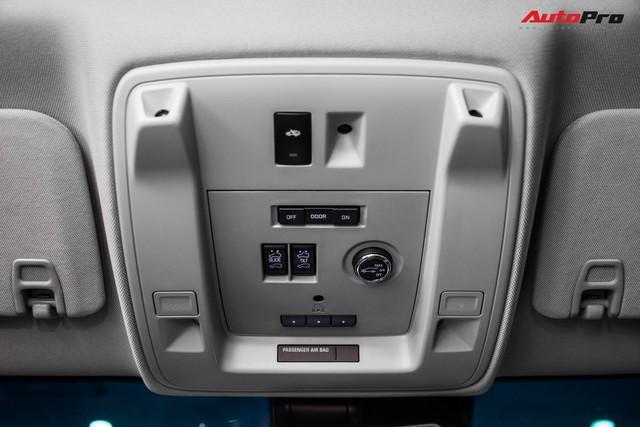 Khủng long Cadillac Escalade ESV chạy hơn 18.000 km giá 5,3 tỷ đồng - ngang giá Mercedes-Benz GLS400 mới cho chồng cộng Toyota Yaris cho vợ - Ảnh 16.