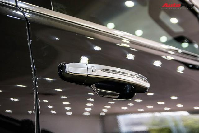 Khủng long Cadillac Escalade ESV chạy hơn 18.000 km giá 5,3 tỷ đồng - ngang giá Mercedes-Benz GLS400 mới cho chồng cộng Toyota Yaris cho vợ - Ảnh 9.