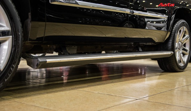 Khủng long Cadillac Escalade ESV chạy hơn 18.000 km giá 5,3 tỷ đồng - ngang giá Mercedes-Benz GLS400 mới cho chồng cộng Toyota Yaris cho vợ - Ảnh 10.