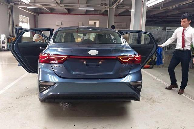 Lộ ảnh chi tiết nội, ngoại thất 2 phiên bản Kia Cerato 2019 tại đại lý trước ngày ra mắt - Ảnh 8.