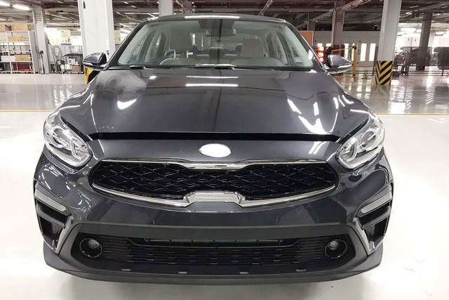 Lộ ảnh chi tiết nội, ngoại thất 2 phiên bản Kia Cerato 2019 tại đại lý trước ngày ra mắt - Ảnh 2.