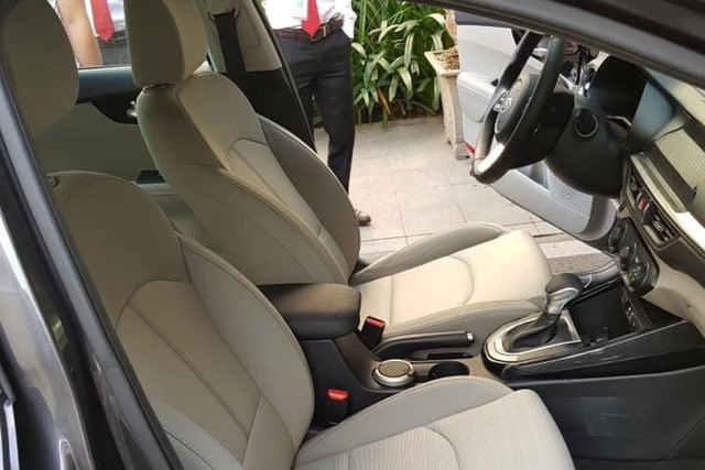 Lộ ảnh chi tiết nội, ngoại thất 2 phiên bản Kia Cerato 2019 tại đại lý trước ngày ra mắt - Ảnh 9.
