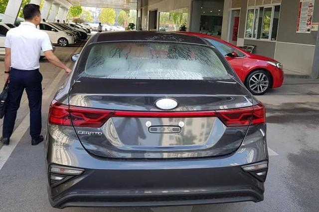 Lộ ảnh chi tiết nội, ngoại thất 2 phiên bản Kia Cerato 2019 tại đại lý trước ngày ra mắt - Ảnh 7.
