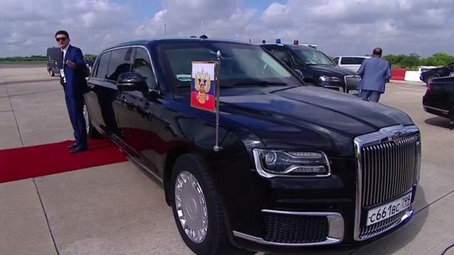 G20: Ông Putin tranh thủ quảng cáo siêu phẩm Rolls-Royce nhà làm khiến mọi người đều trầm trồ - Ảnh 1.