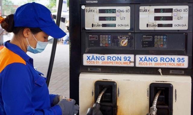 Giá xăng có thể giảm vào ngày đầu năm mới - Ảnh 1.