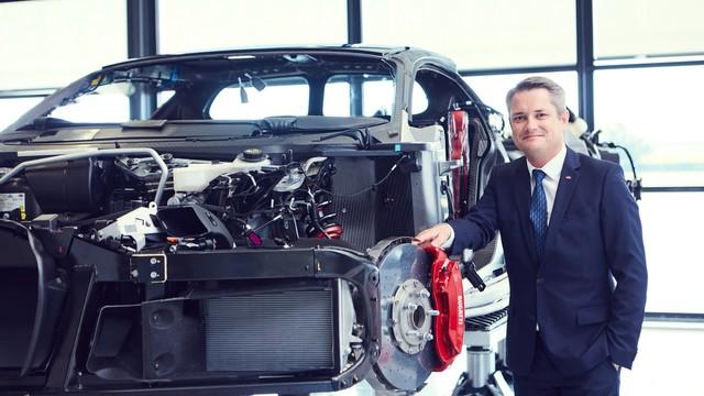 Cùng Shmee150 khám phá nhà máy sản xuất siêu xe Bugatti Chiron - Ảnh 16.