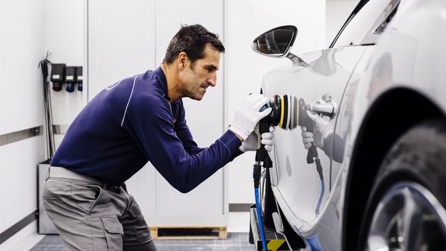 Cùng Shmee150 khám phá nhà máy sản xuất siêu xe Bugatti Chiron - Ảnh 5.