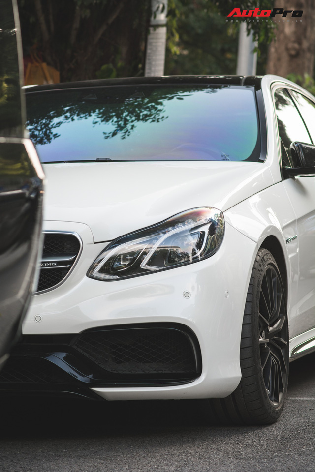 Mercedes-AMG E63 S 4Matic duy nhất tại Hà Nội được chủ nhân tân trang bộ mâm hàng hiệu - Ảnh 3.