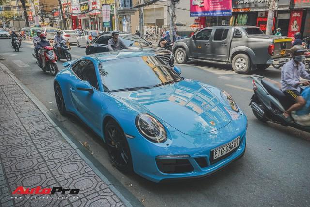 Porsche 911 Carrera GTS màu xanh dương độc đáo của dân chơi Sài Thành - Ảnh 2.