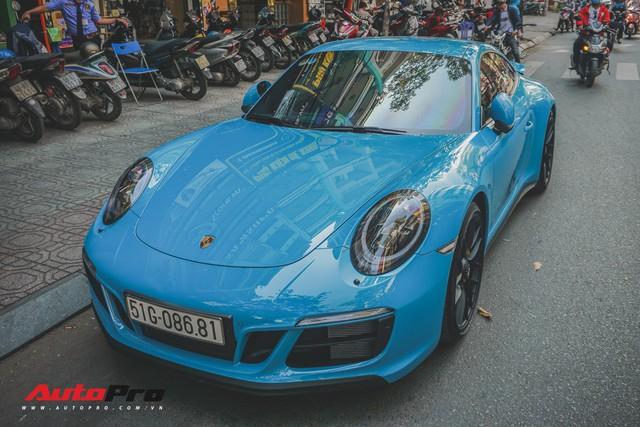 Porsche 911 Carrera GTS màu xanh dương độc đáo của dân chơi Sài Thành - Ảnh 1.