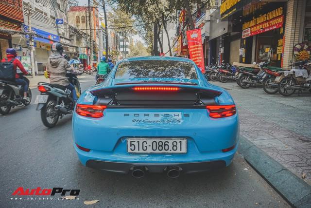 Porsche 911 Carrera GTS màu xanh dương độc đáo của dân chơi Sài Thành - Ảnh 5.