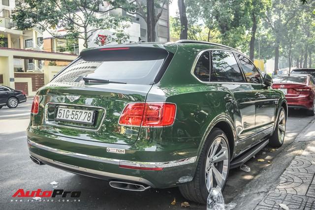 Bentley Bentayga màu xanh lục độc nhất Việt Nam tái xuất trên phố Sài Gòn - Ảnh 3.