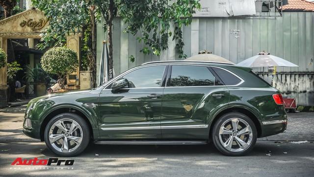 Bentley Bentayga màu xanh lục độc nhất Việt Nam tái xuất trên phố Sài Gòn - Ảnh 4.