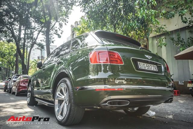 Bentley Bentayga màu xanh lục độc nhất Việt Nam tái xuất trên phố Sài Gòn - Ảnh 10.