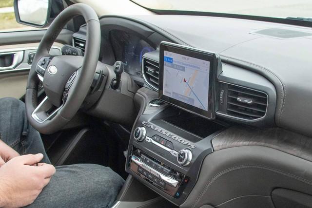 Ford Explorer 2020 lộ nội thất không che chắn: Bỏ cần số, thay bằng núm xoay như Land Rover - Ảnh 2.