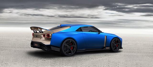 Nissan giới thiệu siêu xe GT-R50: Đẹp như concept, giá siêu đắt đỏ - Ảnh 4.