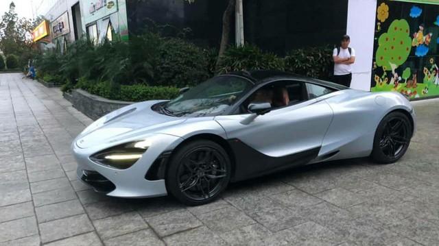 """McLaren 720S đầu tiên Việt Nam tiến ra Bắc, tham gia lễ ăn hỏi của Cường """"đô-la""""?"""