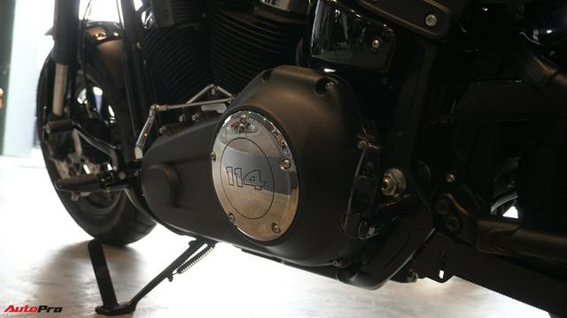 [Video] Cận cảnh Harley-Davidson Fat Bob 2018 giá gần 1 tỷ đồng tại Hà Nội - Ảnh 15.