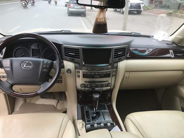 Chuyên cơ mặt đất Lexus LX570 hạ giá một nửa sau 9 năm sử dụng - Ảnh 5.