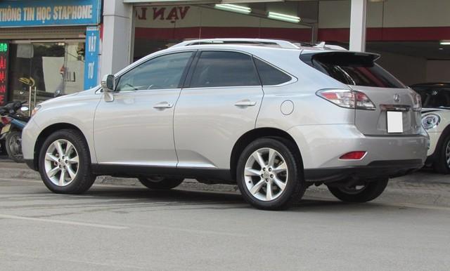 SUV hạng sang Lexus RX350 đi 7 năm bán lại vẫn gần 2 tỷ đồng - Ảnh 2.
