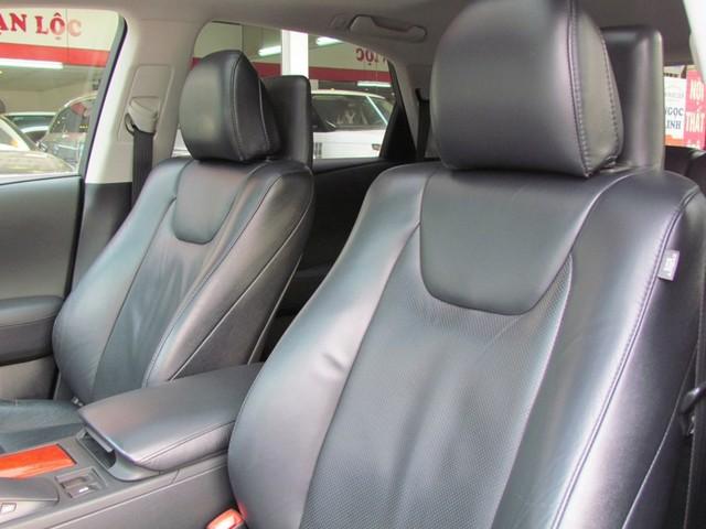 SUV hạng sang Lexus RX350 đi 7 năm bán lại vẫn gần 2 tỷ đồng - Ảnh 6.