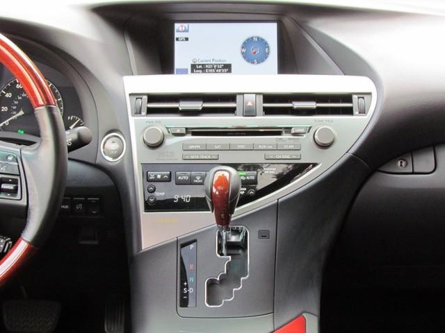 SUV hạng sang Lexus RX350 đi 7 năm bán lại vẫn gần 2 tỷ đồng - Ảnh 5.